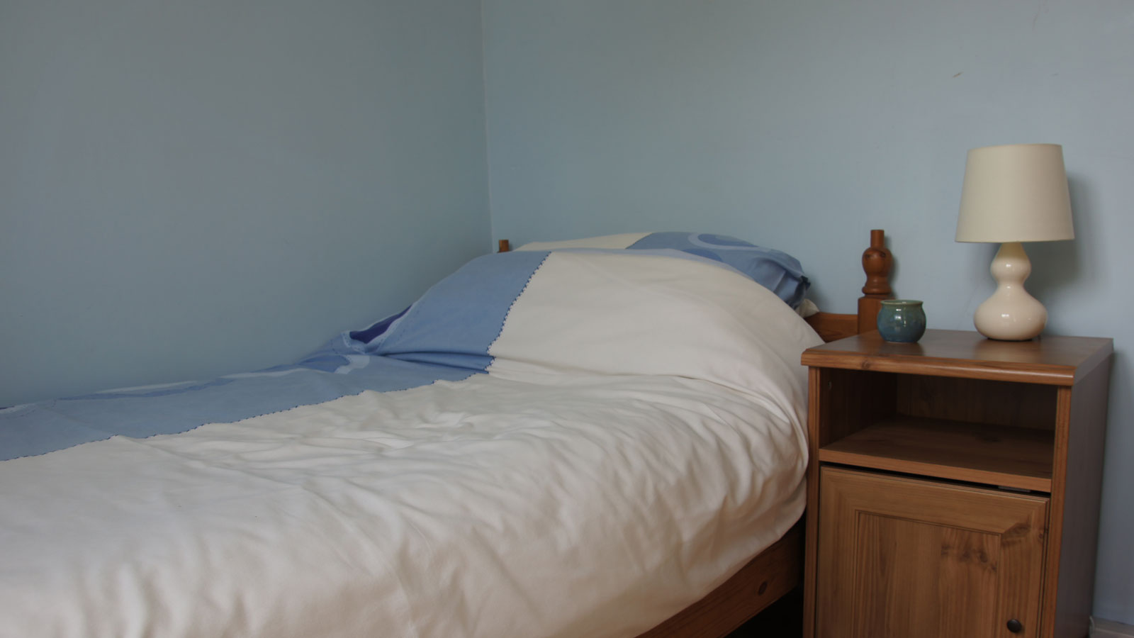 Single Bed in Mincorn Holiday Cottage - cottage sleeps 5 in all